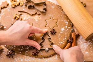Pečení vánočního perníku